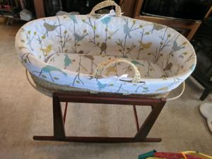 Moses basket bassinet & stand