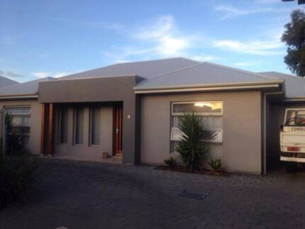 Room for rent with own bathroom in near-new house in Warradale!