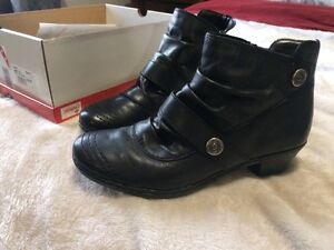 Women's Boots Size 37