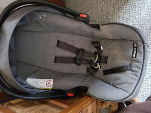 Graco click connect car seat and base 70 Obo