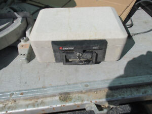 Sentry 1100 Fire Container
