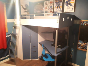 Kids Loft Bed in great condition.