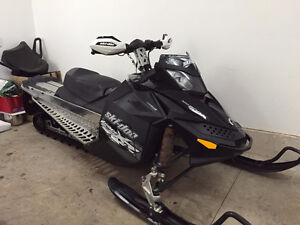 2009 Renegade 800 ***only 2000KM on factory engine****