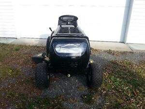 Yard Machines 14.5 HP Lawn Tractor for Sale 2016 Cornwall Ontario image 5