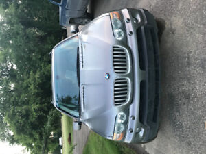 2006 BMW X5 4.4L V8 - Heated seats and Steering wheel!
