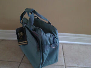Brand new with tags green luggage bag cabin carry on bag London Ontario image 2