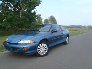 1998 Chevy Cavalier Coupe - 5 Speed - Lots of Extras