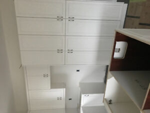 Brand new, never used kitchen with quartz countertop