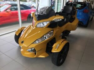 2013 SPYDER CAN-AM RT LOADED! LOW KMS!