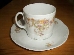 Rosenthal Classic rose cups and saucers -- perfect condition