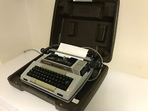 SCM Smith Corona Electric Typewriter