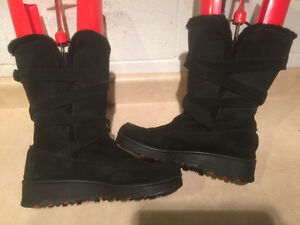 Women's Black Leather Winter Boots Size 9 London Ontario image 2