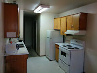 1 bedroom available in a 3 bedroom apartment IMMEDIATELY!!
