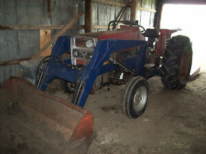 Farm tractor + 3 implements