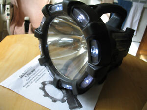 Sunforce 7,500.000 Candle Light Search Light