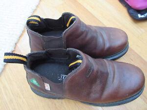 """Mens Dakota 6"""" Slip-on style Steel Toe/CSA Work Boots Size 8"""