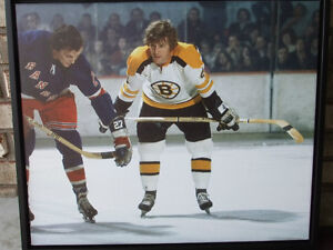 BOBBY ORR #4 BOSTON BRUINS LARGE FRAMED GICLEE CANVAS FACEOFF London Ontario image 1