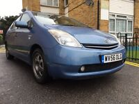 TOYOTA PRIUS T-SPIRIT WITH FULL DEALER SERVICE HISTORY