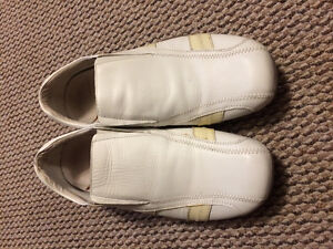 White leather shoes with off-white accents