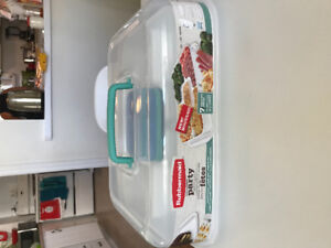 Rubbermaid Ultimate Party Tray