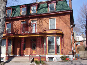 128 Bagot 3BDRM HEAT INCL HrdWdFlrs Steps 2 QUEENS Sept 1st