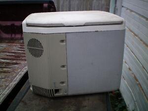 12 volt cooler-heated cooler London Ontario image 2