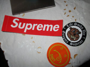 SUPREME STICKERS AND BOUNCY BALL FW18