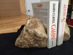 Appui livres en Onyx véritable, très lourd et très beaux.