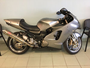 2000 Kawasaki Ninja ZX12 Sport Bike.**SOLD SOLD SOLD**