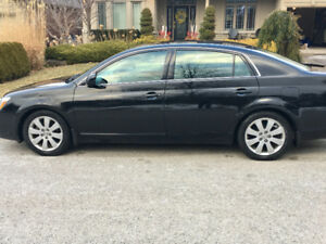 Beautiful 2007 Toyota Avalon XLS Sedan