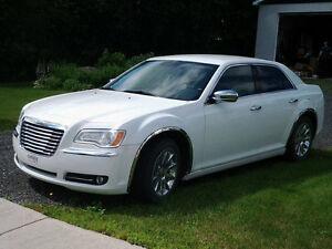 Chrysler 300 Ltd, 2011