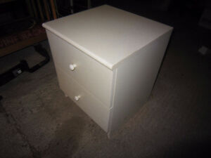 White night stand with drawer. in decent condition. Kingston Kingston Area image 4