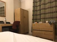 Large cosy room to rent in post graduate student household nottingham. No deposit