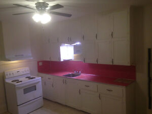 Large 1 Bed Apartment Campbellford Available Oct 1..