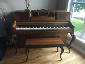 Superbe piano d'appartement