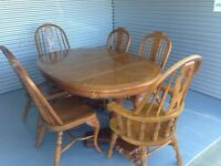 Solid Oak dining set with two leafs