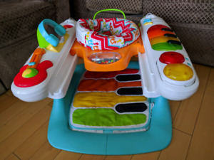 Baby floor seat with toys tray