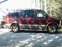 2004 Chevrolet Astro LT Minivan, Van