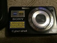 Sony Cybershot DSC-W220 Digital Camera - Black (12.1MP, 4x Optical Zoom)2.7 inch LCD