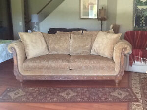 Chintz buy or sell a couch or futon in calgary kijiji for Sofa bed kijiji calgary
