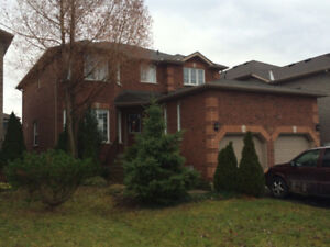 Luxury 2-Storey detached house for rent in Barrie South