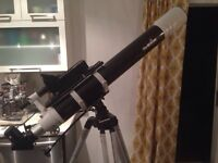 Telescope skywatcher 100mm + occulaires