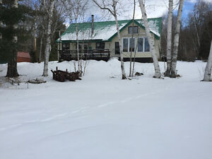 Waterfront Home or 4 Season Cottage on Canoe Lake, South Fronten