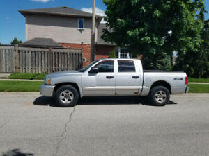 2005 Dodge Dakota for sale (mainly for parts)