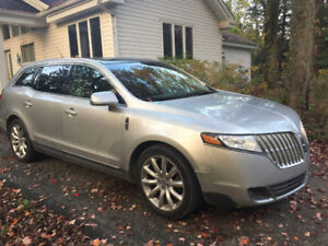 2011 Lincoln MKT Berline