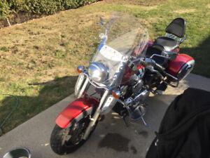 magnifique moto pour de belle promenade cette saison