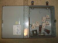 Splitter  box 70A, 3 pole 600v