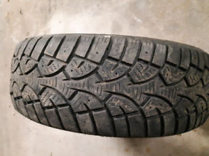 Used winter tire. 195/60/15