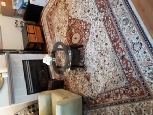 Beautiful carpet. In very good cond 12.5 in by 8 ft 11 in