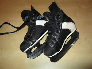 Toddler boy's CCM skates size 11